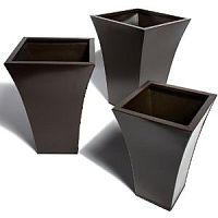 Metal planters in Black